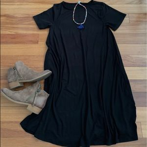 Women's Black Short Sleeve Tunic Dress.